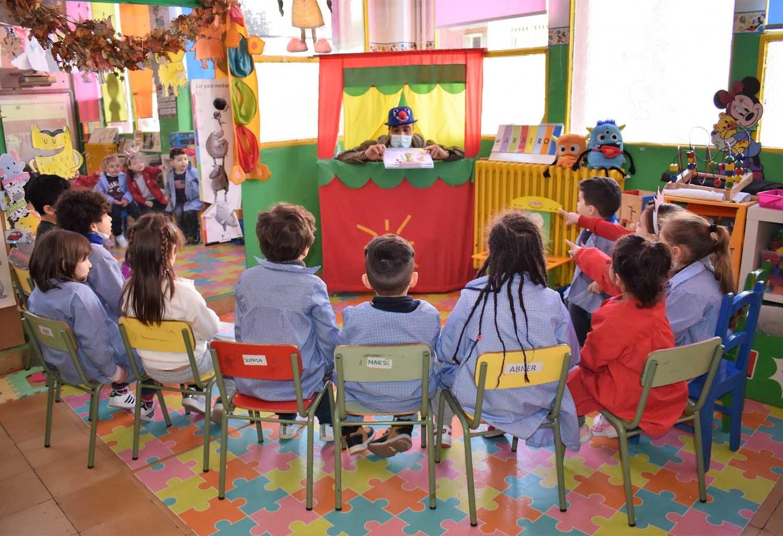 La Pandilla de la Rueda presente en escuelas y centros de formación a través de las acciones de Formación en Seguridad Vial de Policías Locales y otras instituciones.